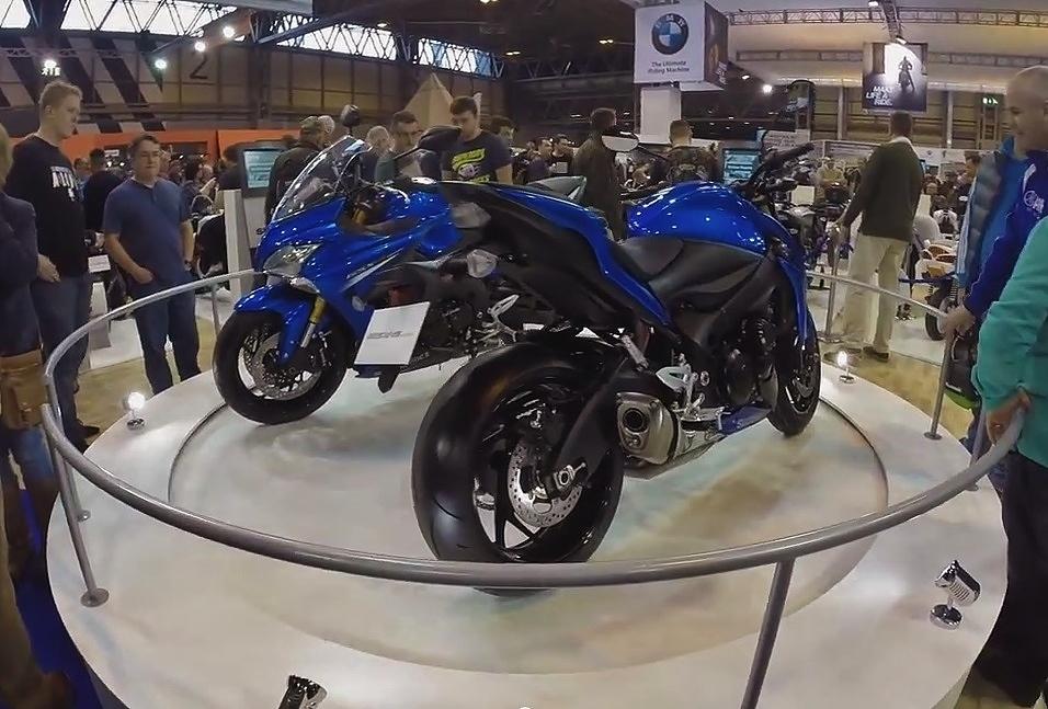 suzuki revolve motorcycle live 2104