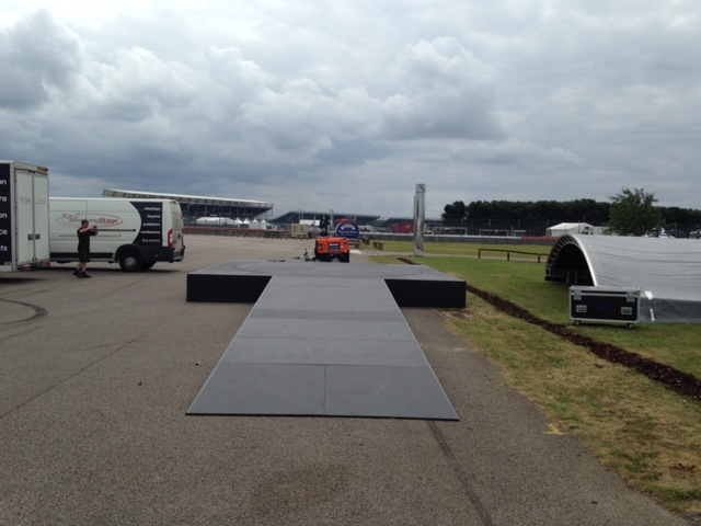 5m and surround - Classic Car Racing Silverstone 1