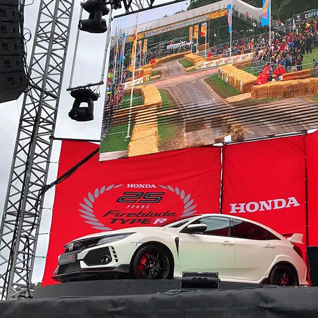 5m - Carfest North - Honda Main Stage - Jul 17 1