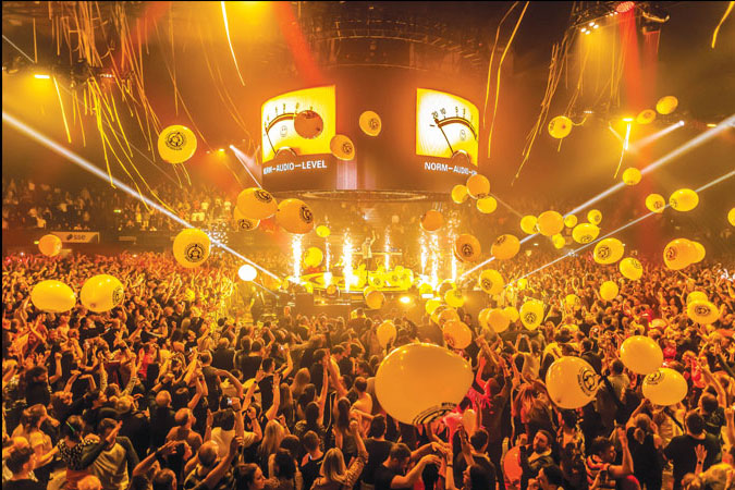 Fat Boy Slim using Revolving Stage Company